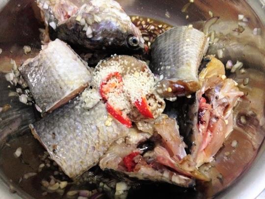 Cách làm cá lóc kho tộ hình 3