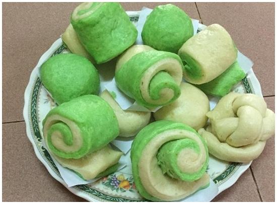 Cách làm bánh bao lá dứa hình 1