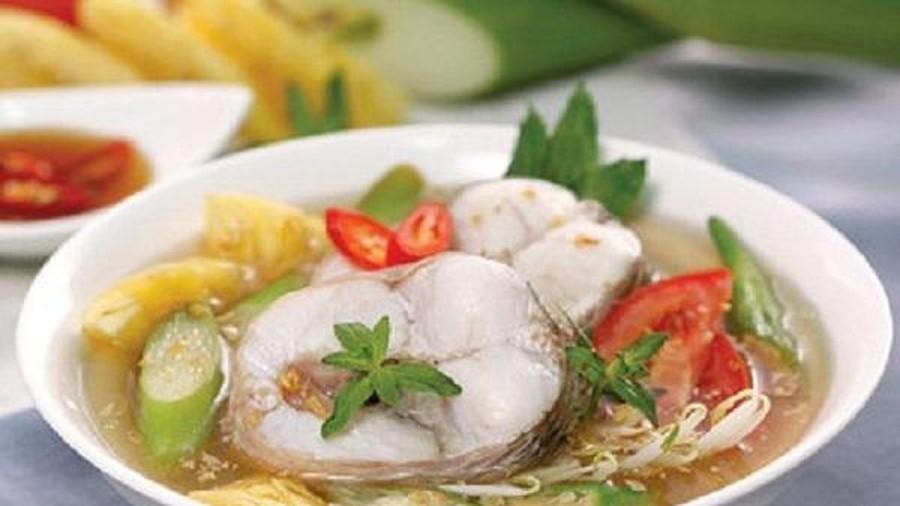 Thực hiện cách nấu canh chua cá lóc kiểu miền Bắc