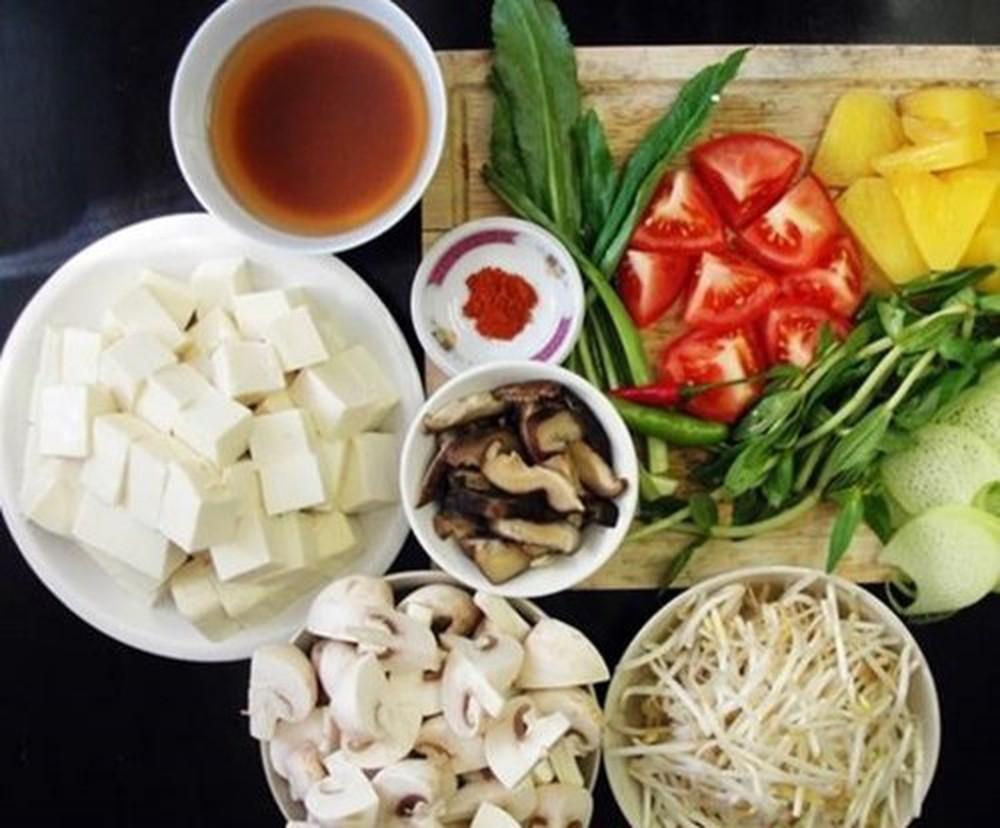 Sơ chế cà chua cùng nguyên liệu