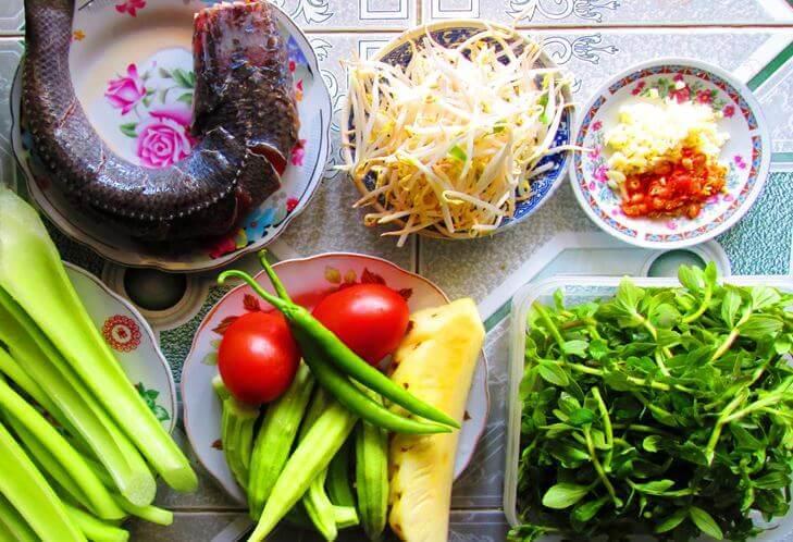 Nguyên liệu cần cho cách nấu canh chua cá lóc miền Bắc