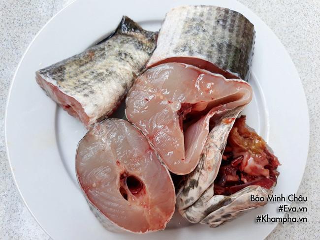 Sơ chế cá lóc nấu canh chua
