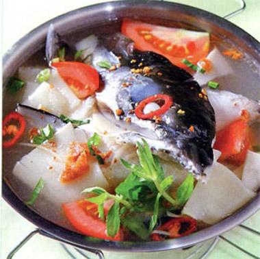 Cách nấu canh chua đầu cá hồi