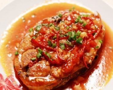Cách nấu cá ngừ kho cà chua