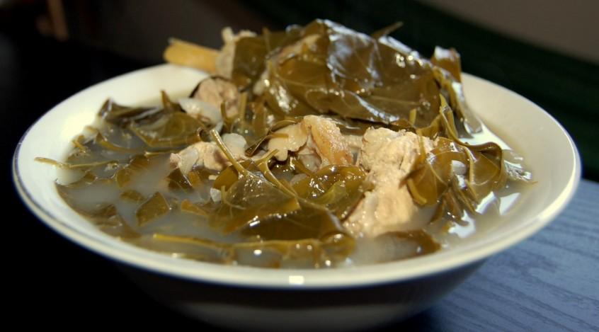 Tiến hành nấu lẩu ếch lá giang ngon