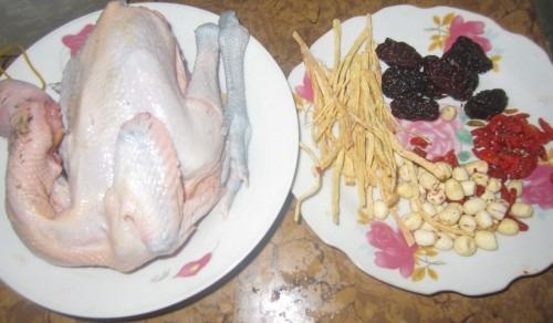 Nguyên liệu cần cho cách làm gà hầm thuốc Bắc ngon