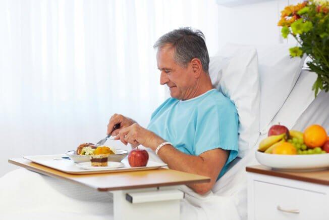 Chế độ ăn uống sau khi phẫu thuật