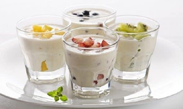 Cách làm sữa chua trái cây các loại 10