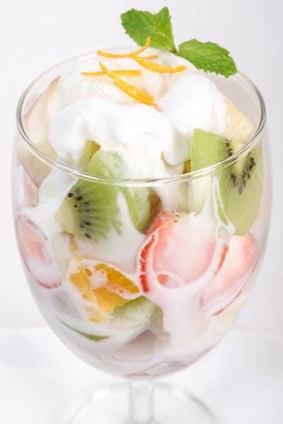 Cách làm sữa chua trái cây các loại 5
