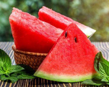 Dưa hấu giải nhiệt mùa hè quá chuẩn rồi nhưng ăn thế nào mới tốt từ trong ra ngoài thì ít ai biết